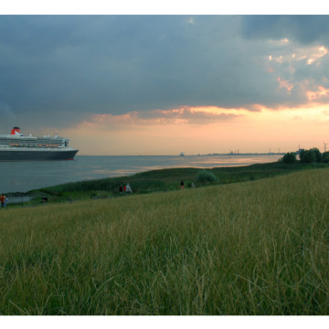 Into the Storm – Queen Mary 2